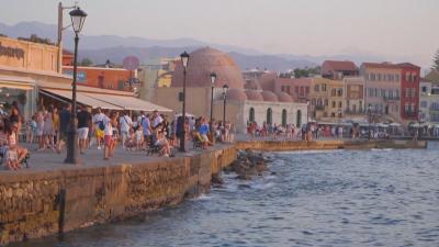 В Гърция: Рекордни жеги и нови ограничения срещу коронавируса