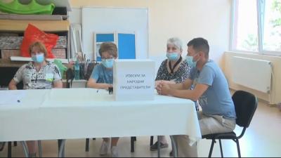 Сигнали за проблеми с машините за гласуване в Бургаско