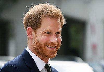 Принц Хари споделя живота си в мемоарна книга