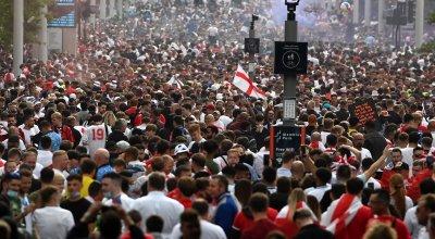 УЕФА разследва деяния на английски фенове от финала на Евро 2020