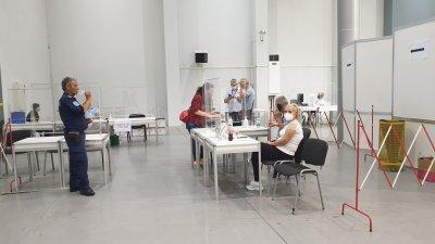 От секцията в затвора първи предадоха протоколите си в РИК Пловдив