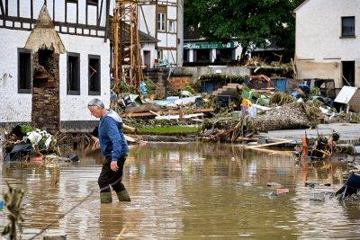 Най-малко 42 души са загинали при наводненията в Германия