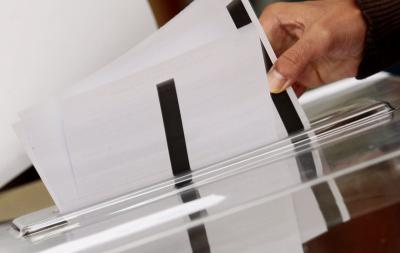 В село Столетово преминаха към гласуване с хартиени бюлетини