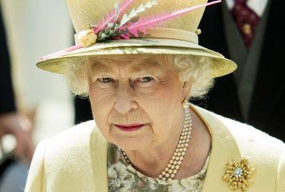 Кралица Елизабет II си припомни триумфа на Англия от 1966