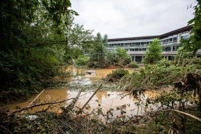 Стотици загинали и безследно изчезнали след наводненията в Западна Европа