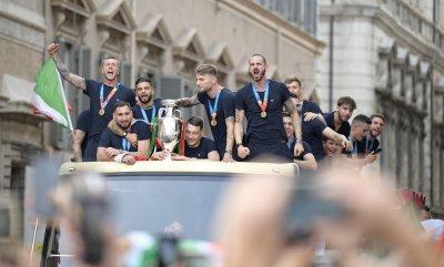 """Италия с петима футболисти в """"Идеалния отбор"""" на Евро 2020"""