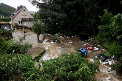 Шестима загинали след наводнения в Германия