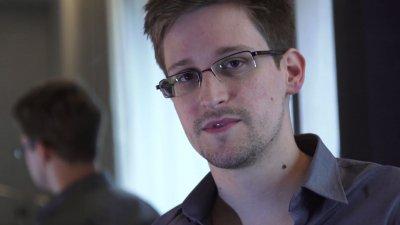 Сноудън: Шпионажът на политици с израелски софтуер е събитието на годината