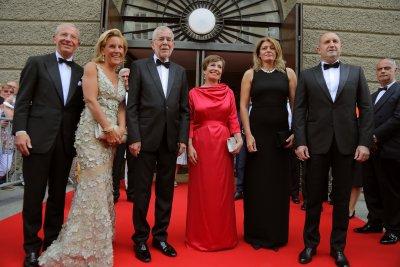 """Президентът Радев и съпругата му на премиерата на """"Дон Жуан"""" в Залцбург"""