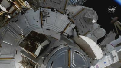 Български ученици ще разговарят с астронавти в МКС