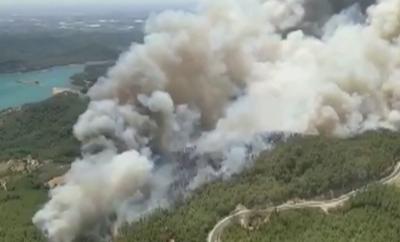 Голям горски пожар бушува в Анталия