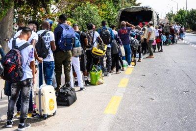 Разбиха международна група, превеждала нелегални мигранти през Гърция