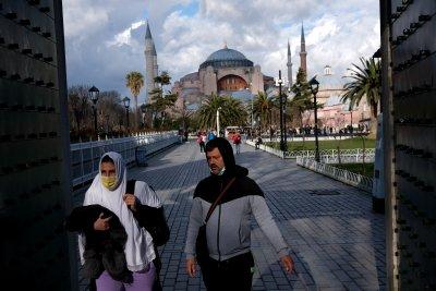 Турция отбеляза най-високия ръст на заразени с COVID-19 от месец май