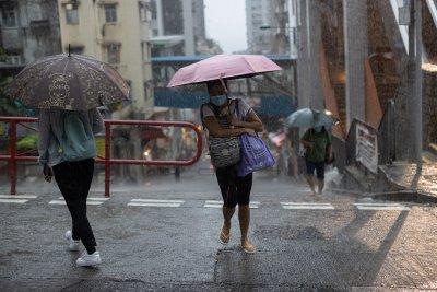 12 души загинаха при наводнение в метро в китайската провинция Хънан