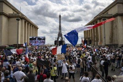 Мащабни протести в Европа срещу задължителната ваксинация