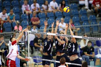 Ден 4: Волейбол (групова фаза, мъже) Полша - Италия
