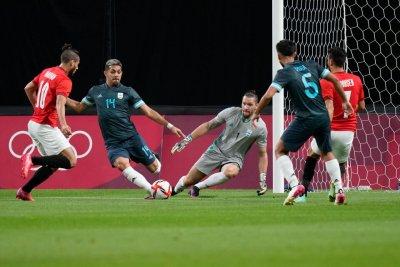 Кабаков ръководи първия успех на Аржентина в олимпийския турнир по футбол