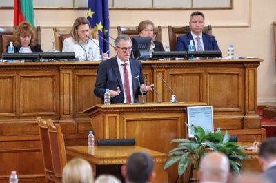 Кацаров в НС: Без актуализация на бюджета няма да има средства за нова ковид вълна