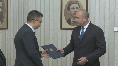 Президентът връчи мандат за съставяне на кабинет на ИТН