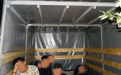 25 нелегални имигранти с двама каналджии са задържани на българо-турската граница