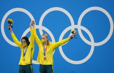 Кайли Маккеон грабна златото на 200 метра гръб