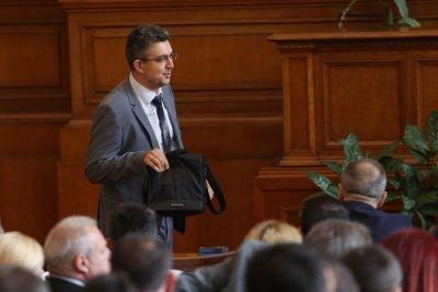 Пламен Николов: Продължаваме преговорите за правителство
