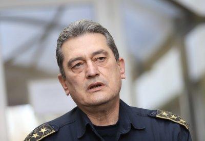 Комисар Николов: Очакваме силен вятър, който много ще усложни ситуацията с пожарите