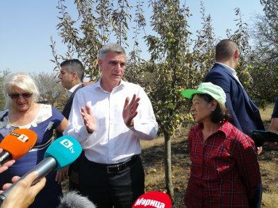 Премиерът в Старосел: Държавата ще направи всичко възможно да помогне на хората