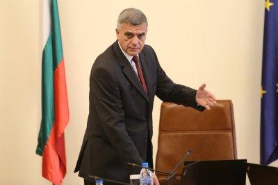 Служебният кабинет ще пита КС по темата за отстраняването на главния прокурор