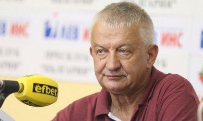 Крушарски в екстаз след отстраняването на Словачко
