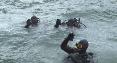 Подводна екоакция в Бургас: Водолази почистиха дъното на морето