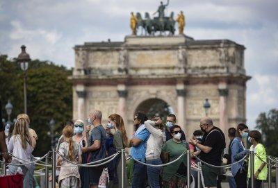 Конституционният съвет на Франция одобри закона за здравния пропуск