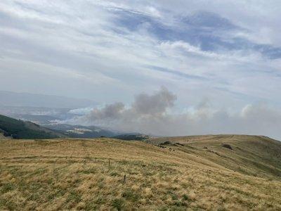 Пожарът в РСМ наближава границата с България