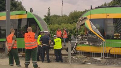 Два трамвая се сблъскаха в Полша, десетки са ранени