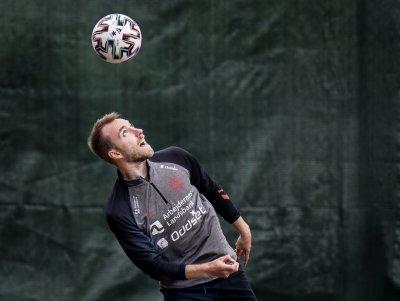 Агентът на Ериксен: Няма яснота кога ще се завърне на терена