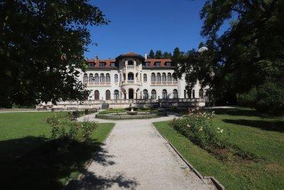 """Царското семейство няма да завежда дела за обезщетения за двореца """"Врана"""""""