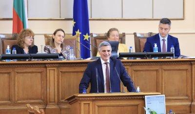 Стефан Янев и вицепремиерите отговоряха на депутатски въпроси в НС