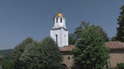 Жители на Блъсковци възродиха църквата и читалището в селото