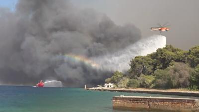 Четири села са застрашени от пожара на Пелопонес