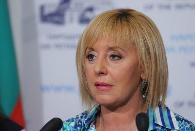 Мая Манолова настоява полицаите от записа с насилие да бъдат изслушани в НС