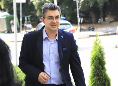 Пламен Николов: Оттеглям кандидатурата си за премиер