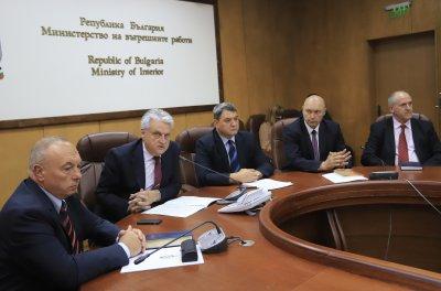 Главният секретар на МВР готов да работи с всеки нов министър, Рашков заподозря прокуратурата в натиск (Обзор)