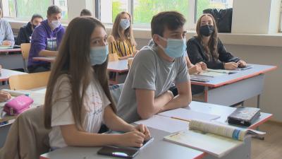 България в оранжевата COVID зона: Не се предвижда затягане на мерките