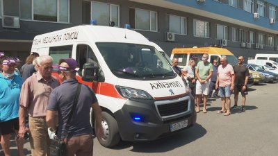 Спешни лекари излязоха на протест в няколко града в страната