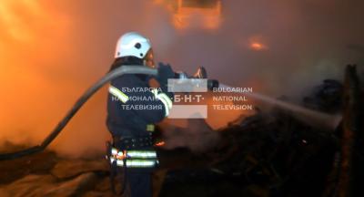 Ексклузивно: Подробности за огнената стихия в село Кръстава (ВИДЕО)