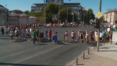 Ресторантьори от Пловдив на протест срещу нови COVID мерки