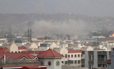 """Нов мощен взрив в Кабул, """"Ислямска държава"""" пое отговорност за атентатите до летището"""