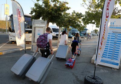 Кипър въвежда PCR тест за пристигащи от България, които не са ваксинирани