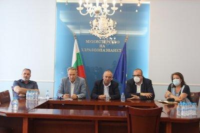 Здравният министър обсъди епидемичната обстановка с всички РЗИ-та от страната