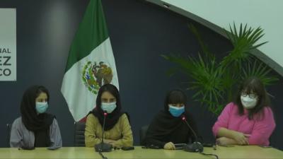 Мексико прие момичетата от афганистанския отбор по роботика